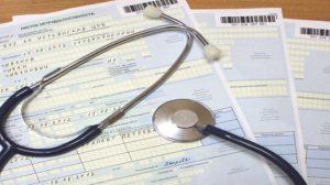 Обязан ли работник уведомлять работодателя о больничном, когда нужно собщать о больничном?