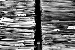 Уничтожение бухгалтерских документов с истекшим сроком хранения: кто занимается, как составить акт?